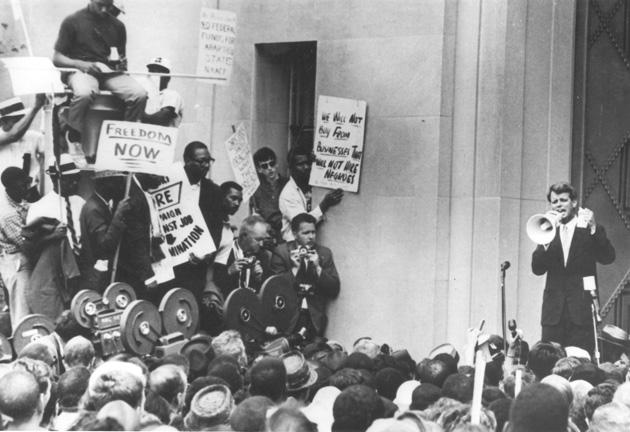 RFK addresses marchers at DOJ (rights unknown) 630